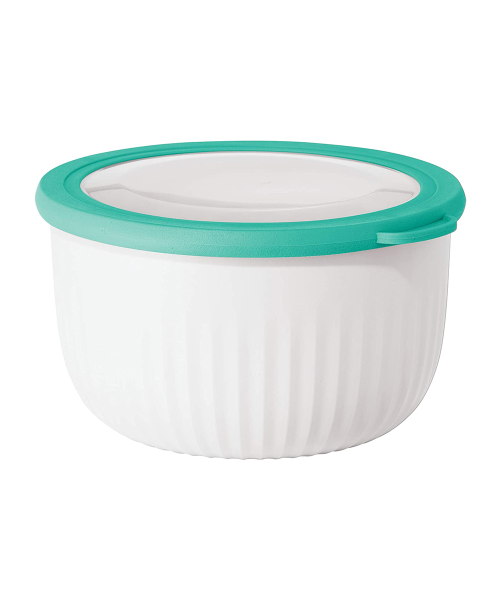 Oggi 2.6 Quart Mix, Store & Serve Bowl with See-Thru Lid